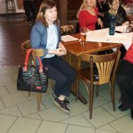 Předsedkyně Republikové rady Levicových klubů žen z PrahyKvěta Šlahůnková při sledování vystoupení mažoretek