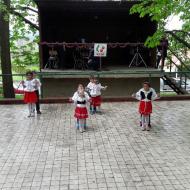 Taneční soubor z Dětského domova ve Staňkově při vystoupení