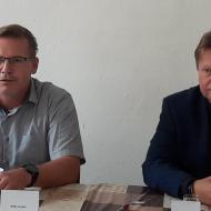 Zleva Jaroslav Rehák - 3. na kandidátce, vpravo lídr kandidátky - Jiří Valenta
